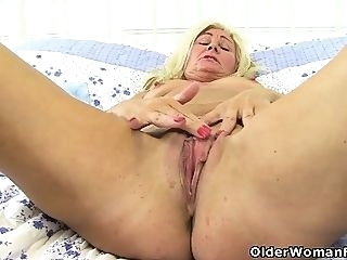 blonde hd masturbation